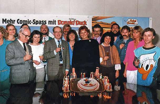 Ehapa-MitarbeiterInnen und Geschäftsführer Adolf Kabatek
