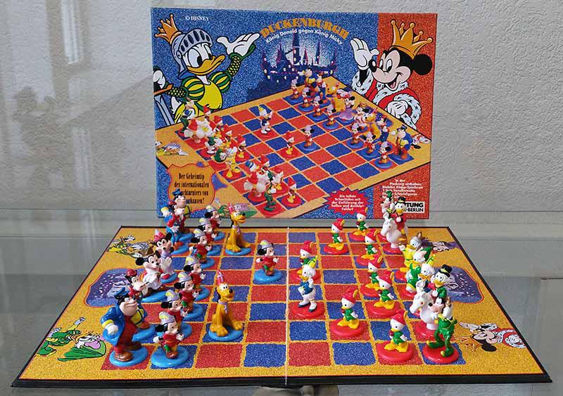 Schachspiel Duckenburgh, König Donald gegen König Micky